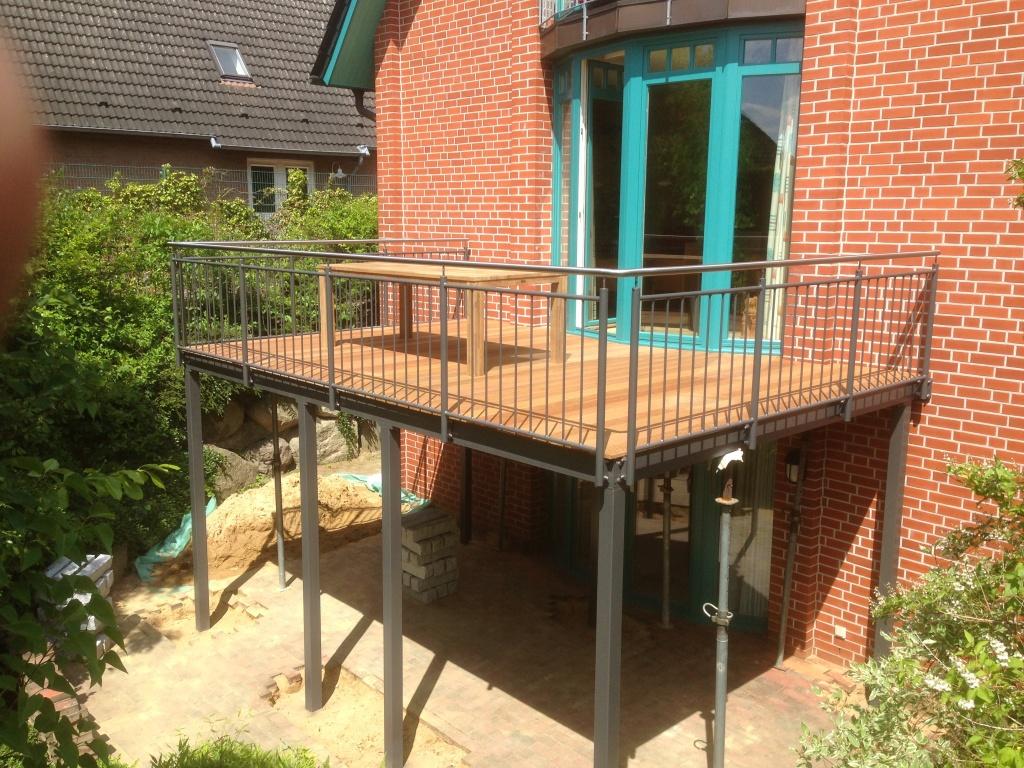 Terrasse Aus Stahl radkowski metallbau stahlbalkone stahlterrassen und aussentreppen